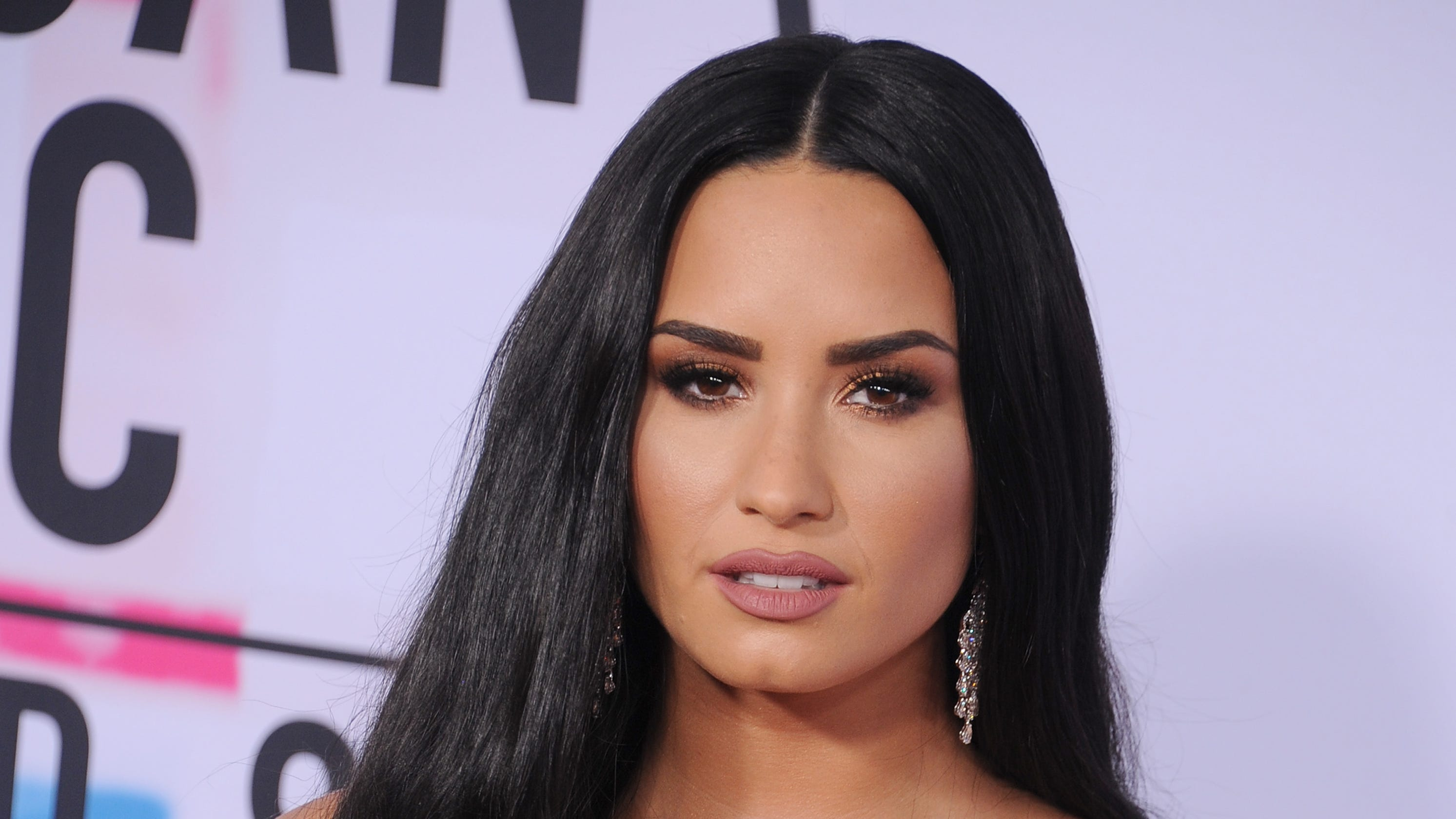 MTV VMAs: Why Ariana Grande and Demi Lovato missed out.