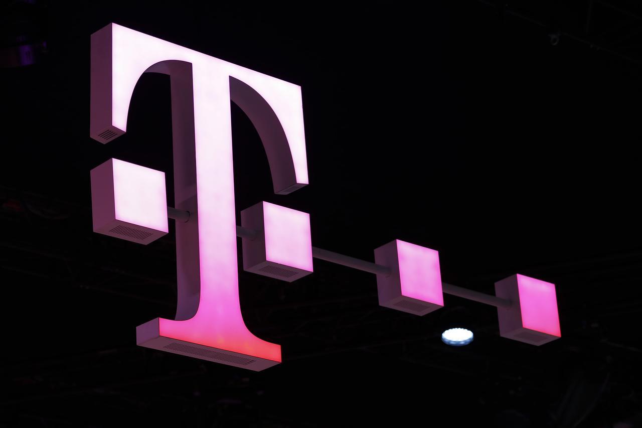 Deutsche Telekom to stick to multi.