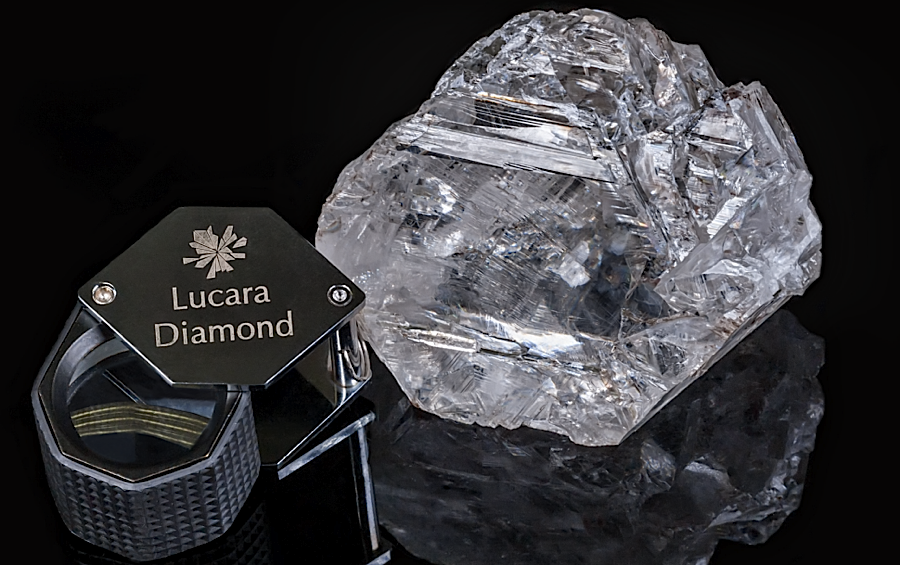 World's largest diamond found in 100 years goes under the hammer.