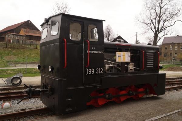Railway diesel loco motives narrow gauge Free stock photos in JPEG.