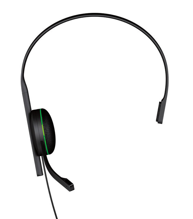 Xbox One chat headset revealed.