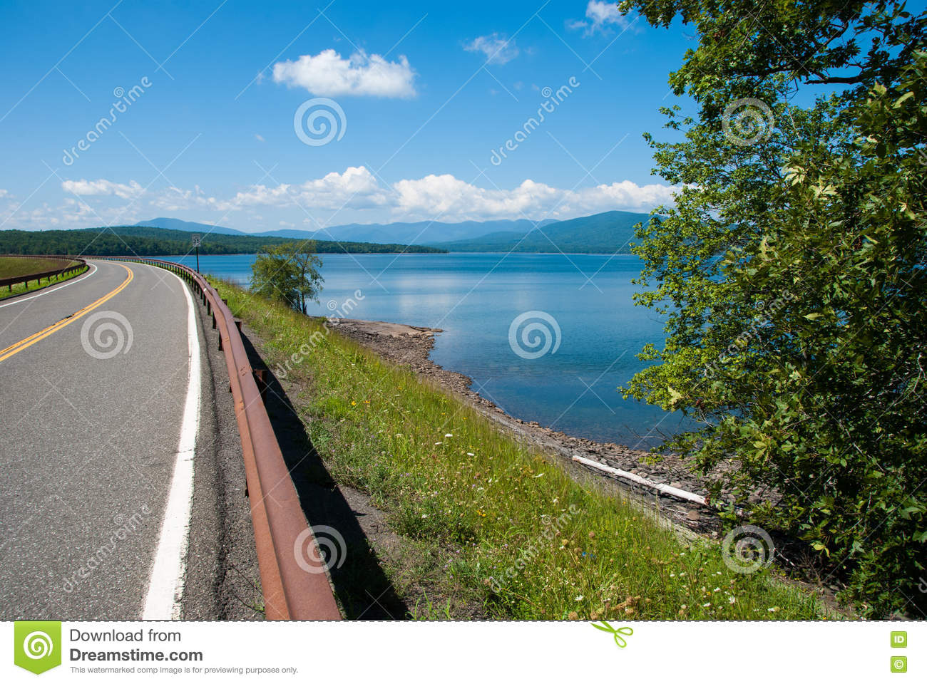 Ashokan Reservoir And Road Stock Photo.