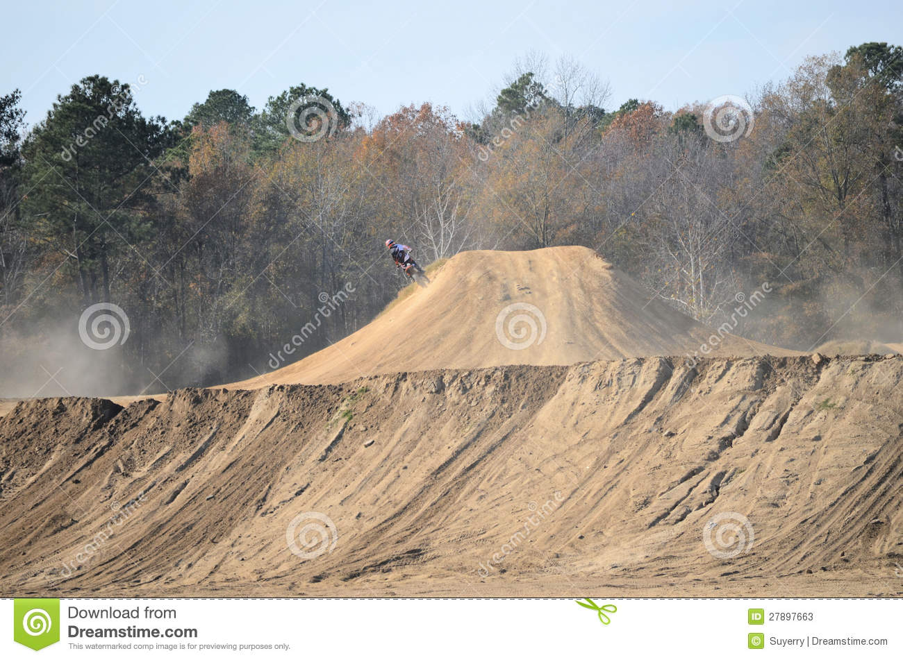 1413 Dirt free clipart.