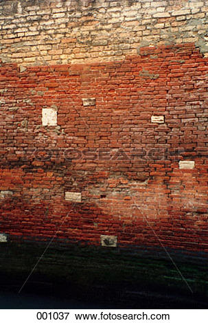Picture of the discolored side of a brick building 001037.
