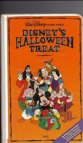 Showing post & media for Cartoon halloween treats.