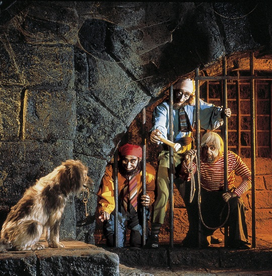 The 10 Best Attractions at Disneyland :: Travel :: Lists.
