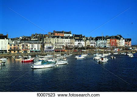 Stock Photo of France, Brittany, Douarnenez harbour f0007523.