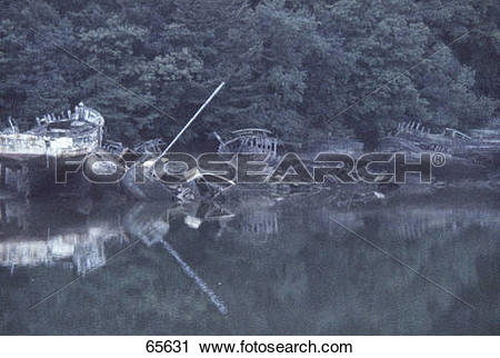 Stock Photography of Rotten ship at riverside, Douarnenez.