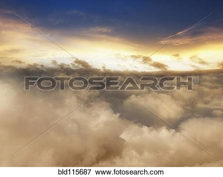 Picture of Clouds in dramatic sky bld115687.