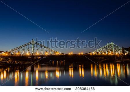 Cantilevered Truss Bridge Stock fotos, billeder til fri.