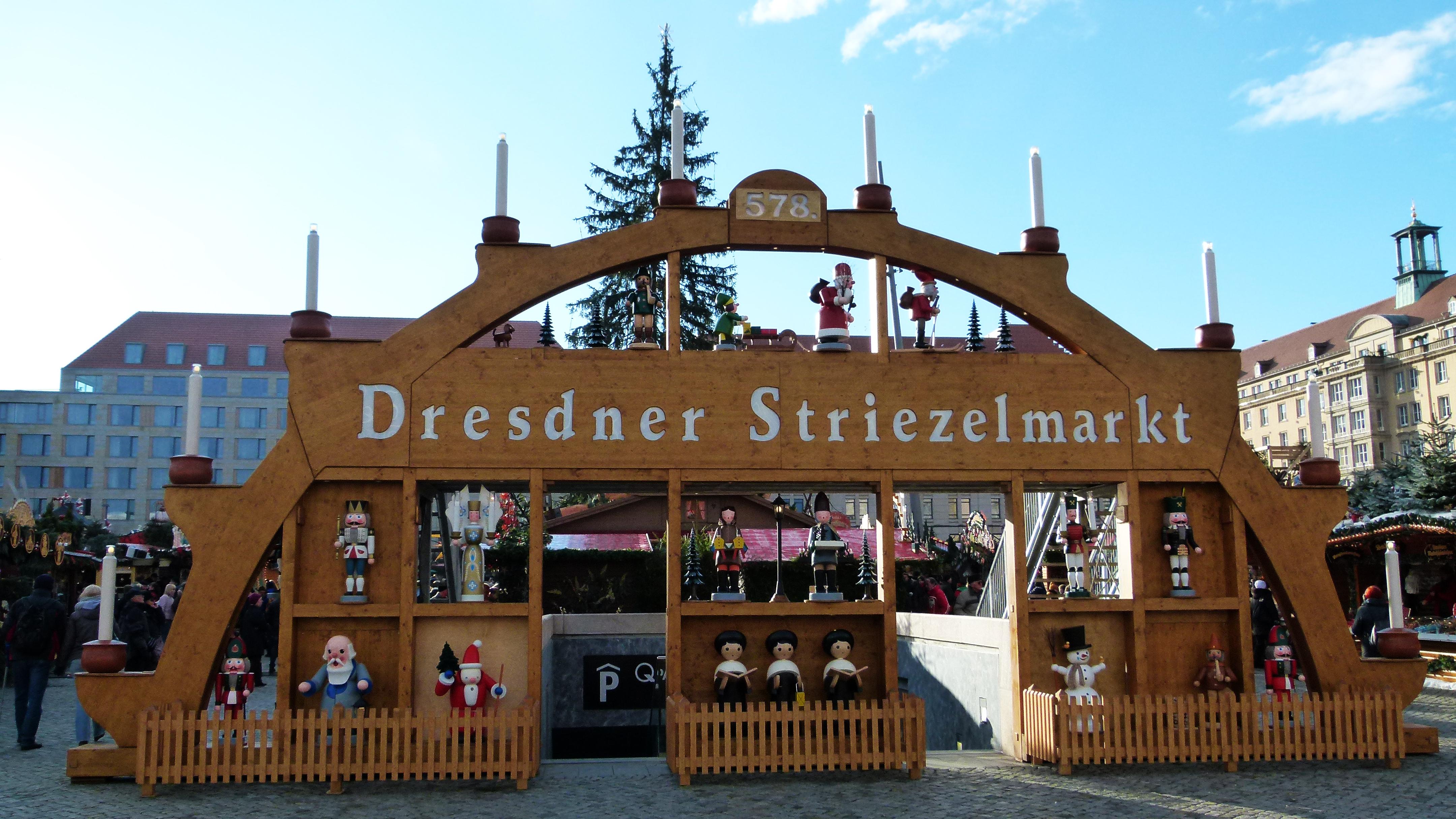 File:Striezelmarkt 578.