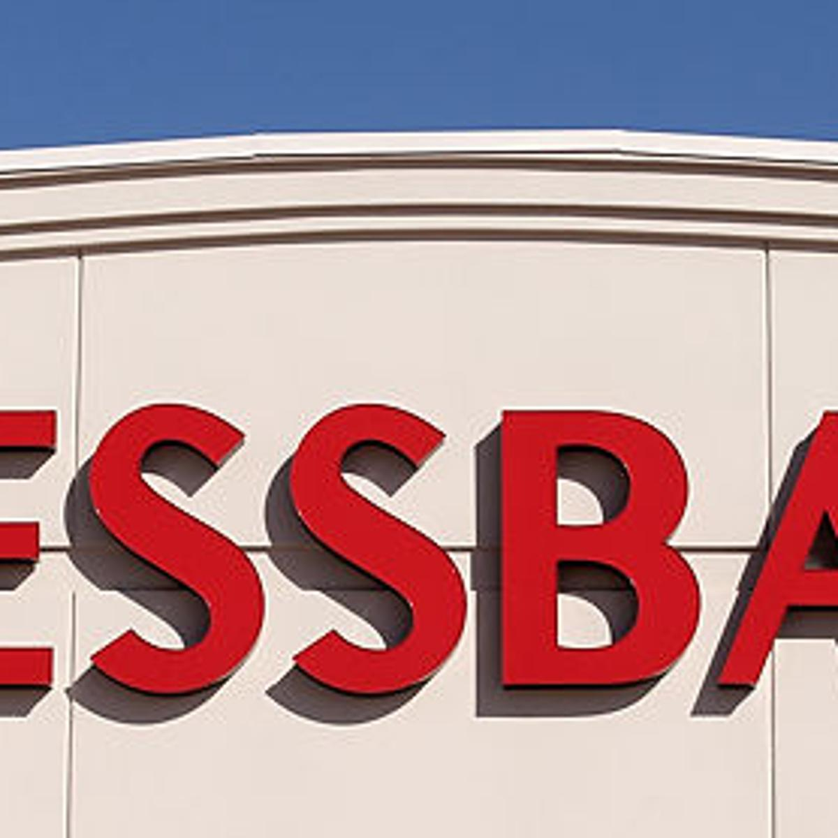 Clothing chain Dressbarn to close all its 650 stores.