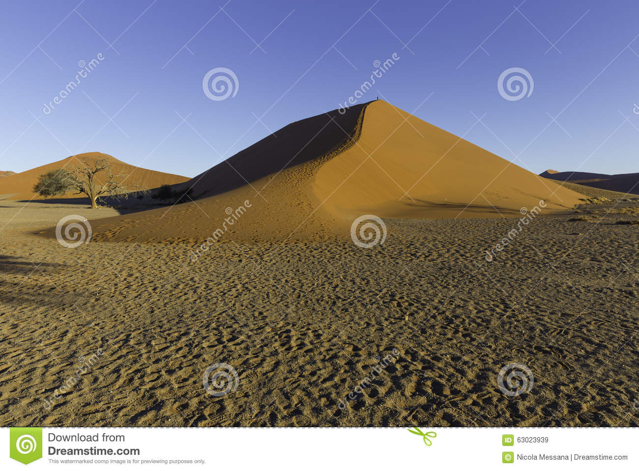 The Dune 45 In The Namib Desert, Sossusvlei, Namibia Stock Photo.