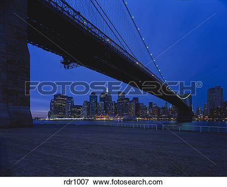 Picture of View of lower Manhatten as seen from Brooklyn.