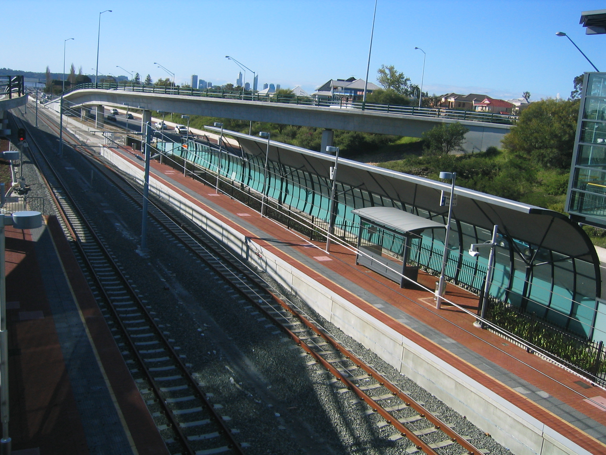 Canning Bridge railway station.