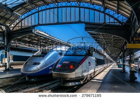 Train Station Banco de imágenes. Fotos y vectores libres de.