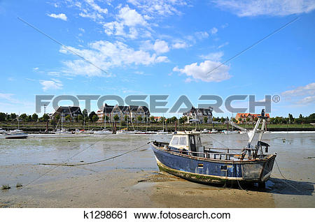 Stock Photography of Ebb tide k1298661.