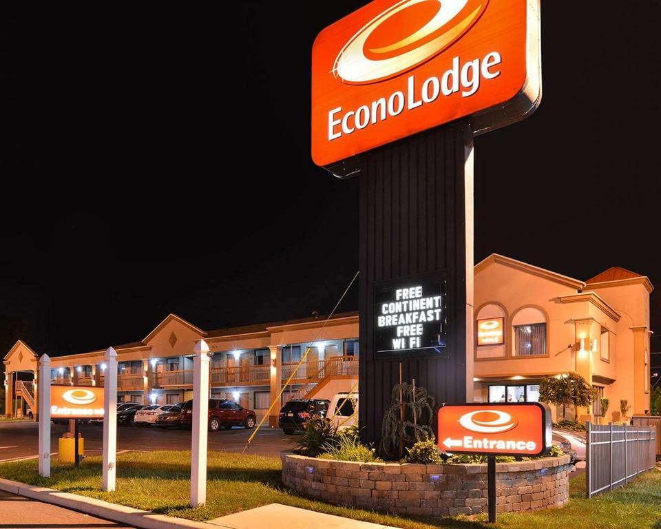 EconoLodge Bellmawr, NJ.