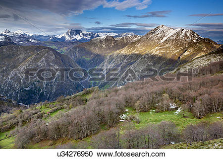 Stock Photography of Spain, Asturias, Biamon. View from Picu'l.