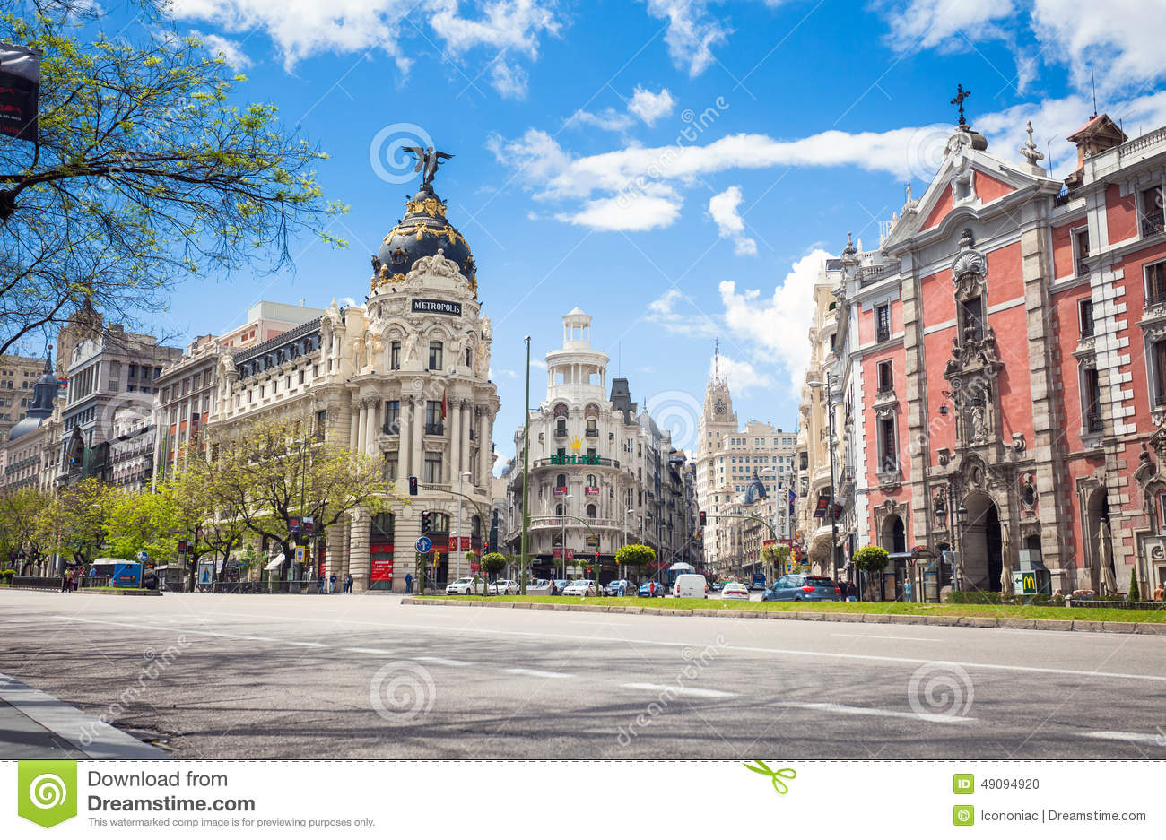 Metropolis Building And Grassy Building, Madrid Editorial Image.