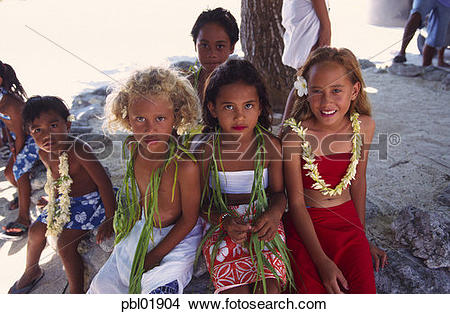 Stock Photo of Young Polynesian girls, Tuamotus, French Polynesia.