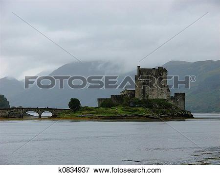 Picture of Eilean Donan Castle k0834937.