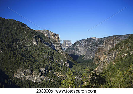 Stock Image of Overlooking yosemite valley half dome el capitan.