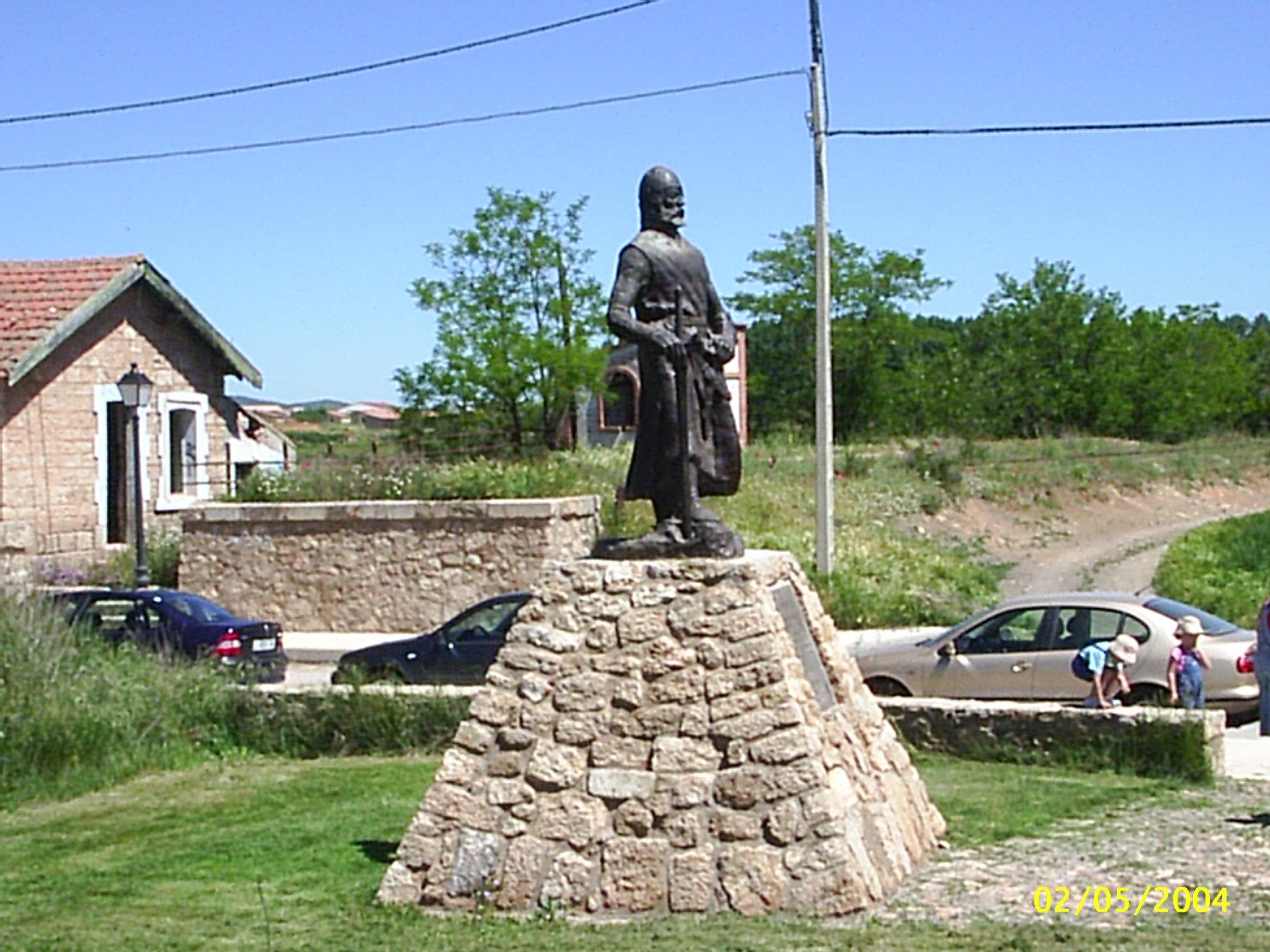 File:Estatuadel Cid en El Poyo del Cid (Teruel).JPG.