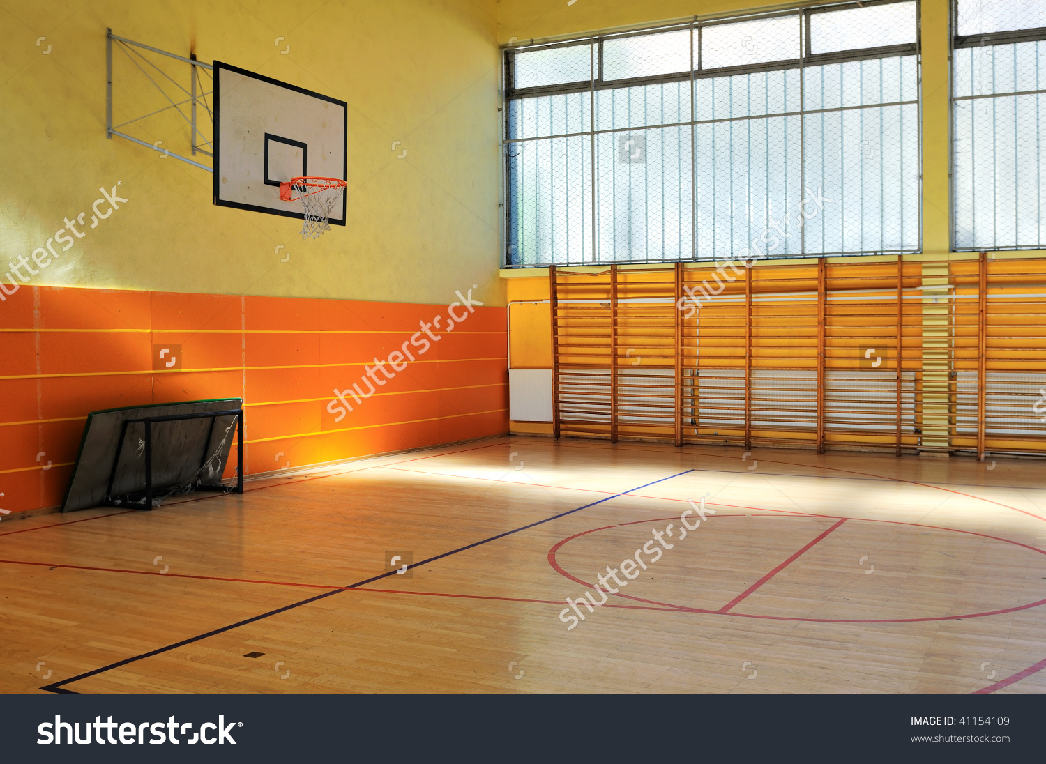 Elementary School Gym Pictures In Clipart.