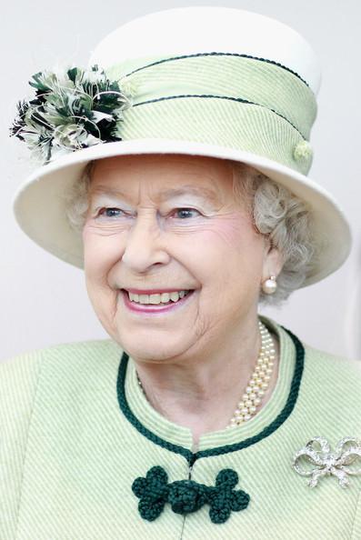 Clipart queen elizabeth ii.