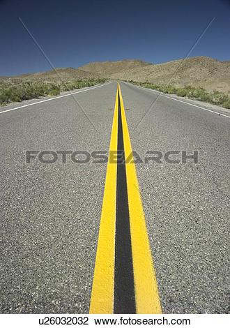 Stock Photo of An endless road u26032032.