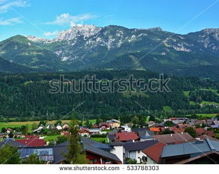Austrian Balcony Lizenzfreie Bilder und Vektorgrafiken kaufen.