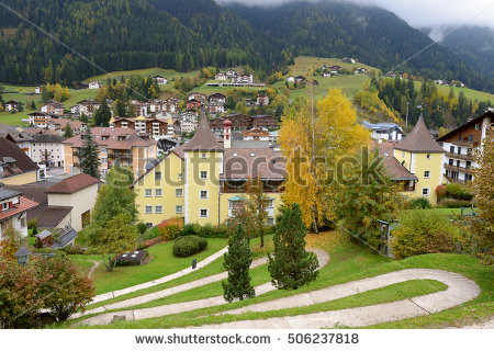 Tyrolean Villages Stock fotos, billeder til fri afbenyttelse og.