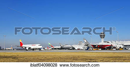 Pictures of Aircraft Line up, Terminal 1, with Tower, Munich.