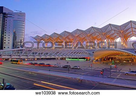 Pictures of Gare do Oriente railway station by Santiago Calatrava.