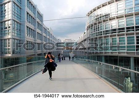 Picture of Pedestrians at the European Patent Office in Munich t54.