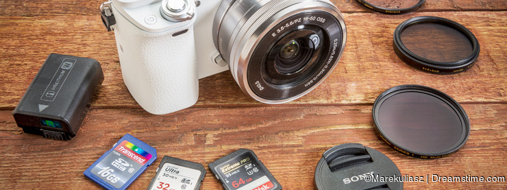 Why You Should Choose A Mirrorless For Your Microstock Activity.