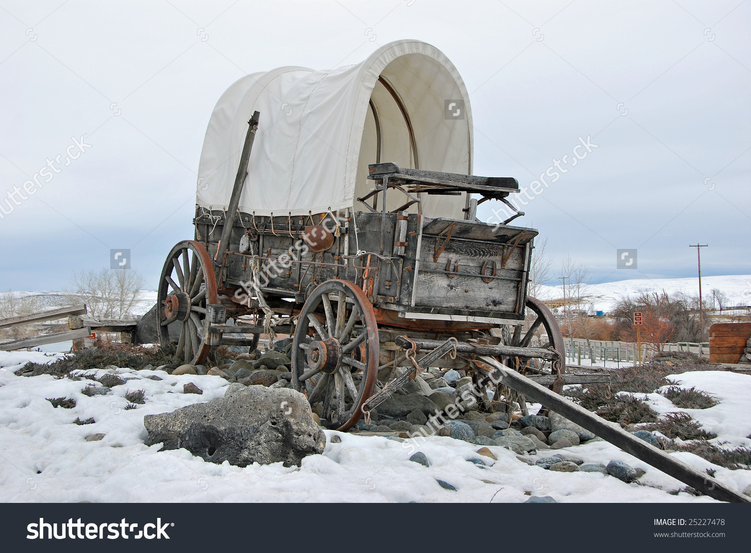 This Antique Covered Wagon Sits At The Entrance To Farewell Bend.