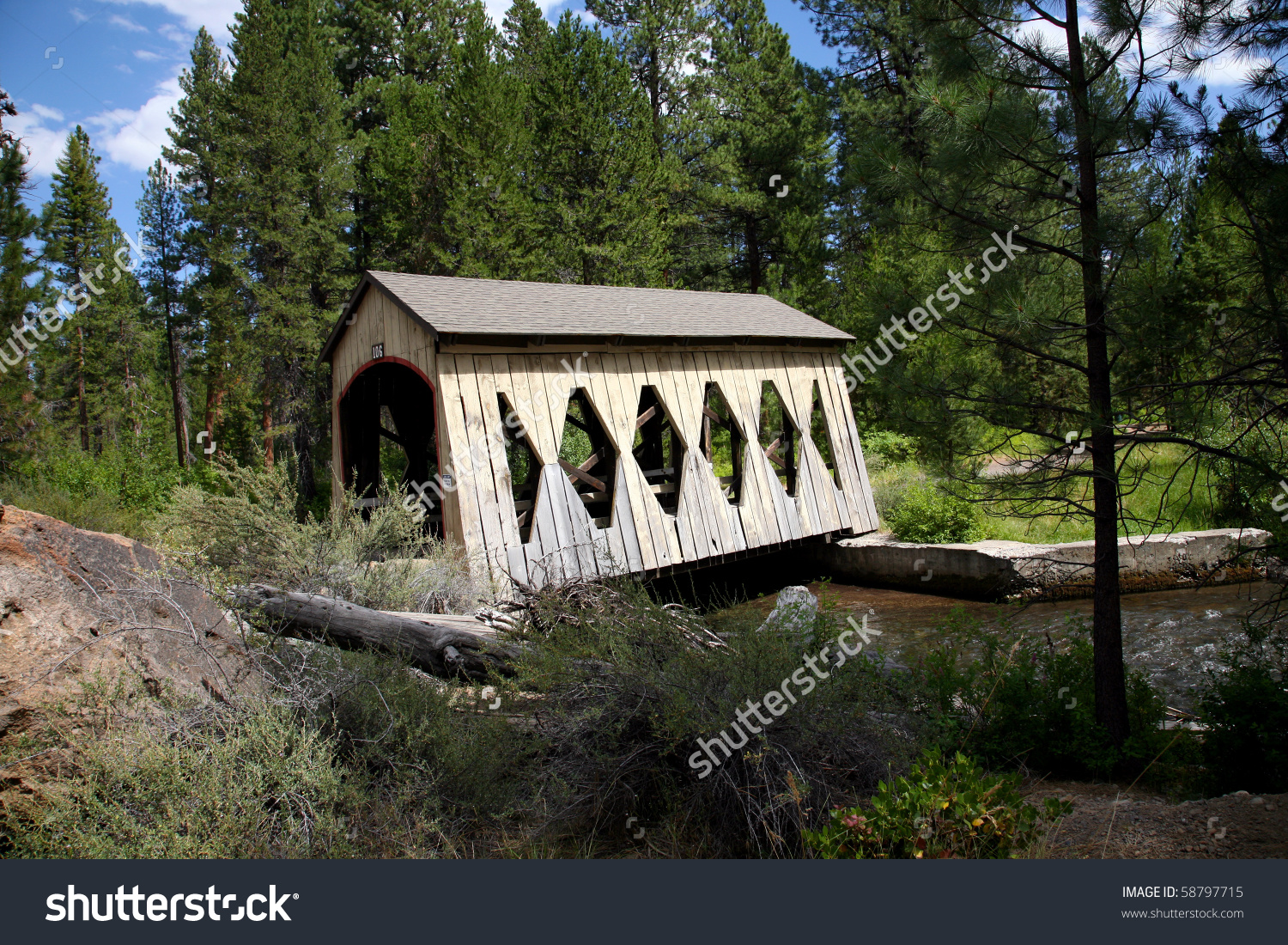 Old Covered Bridge, Bend, Oregon Stock Photo 58797715 : Shutterstock.