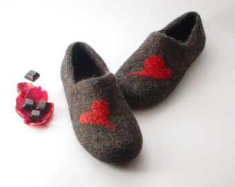 Felted slippers felt boots and shoes wool leg by WoolenClogs.