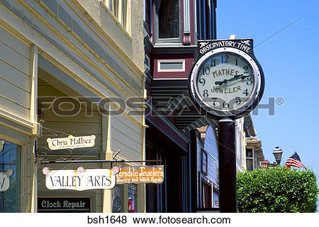 Pictures of Victorian buildings and clock on Main Street, Ferndale.
