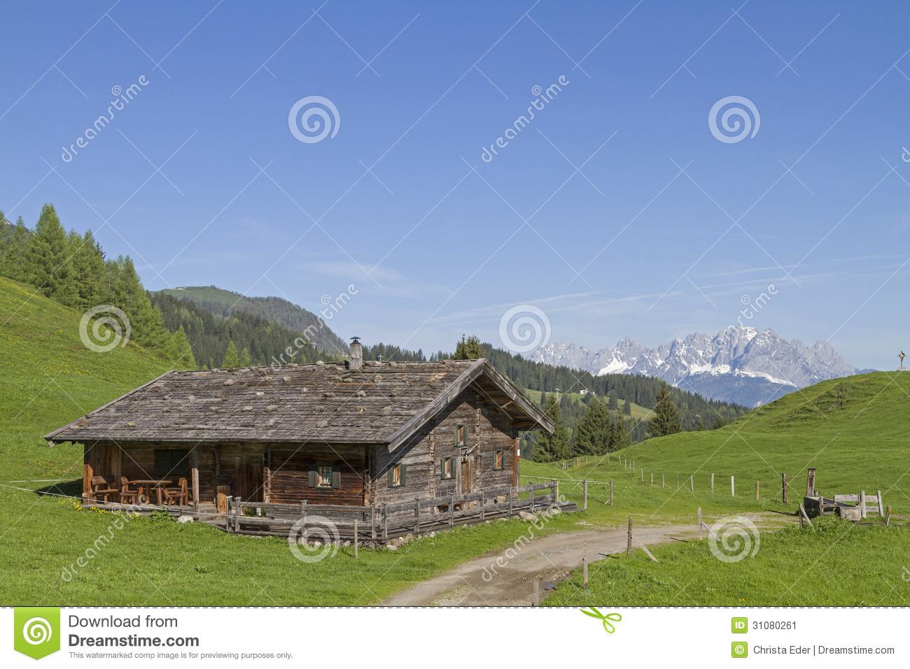 Almhütte Mit Kaisergebirge Stock Image.