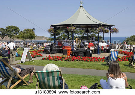 Stock Photo of England, North Yorkshire, Filey, Holidaymakers.