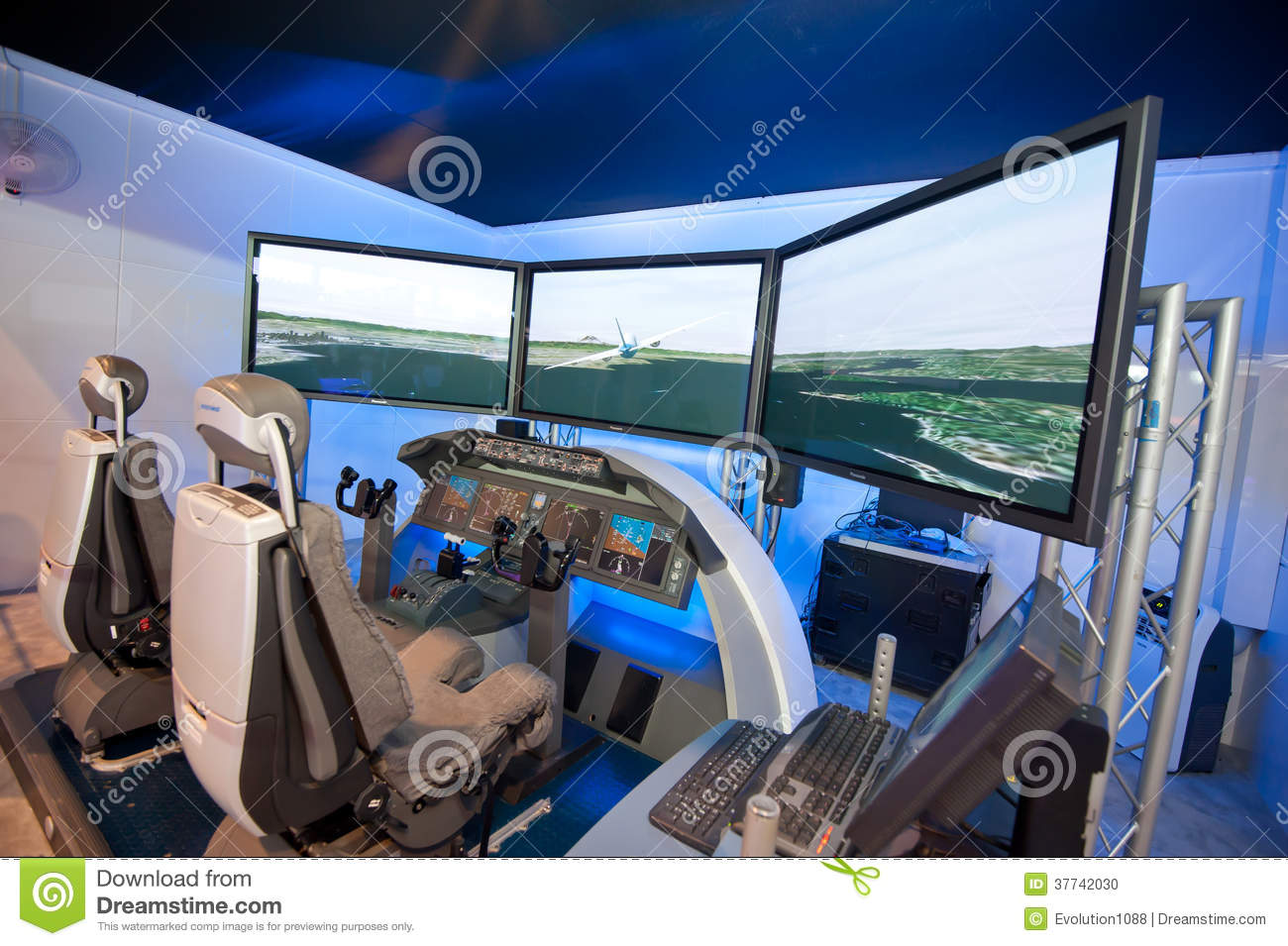 Boeing Flight Simulator At Singapore Airshow Editorial Stock Image.