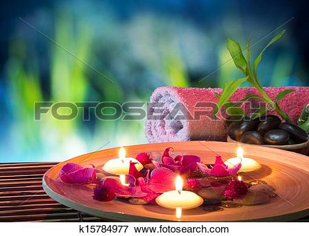 Picture of dish spa with floating candles k15784977.