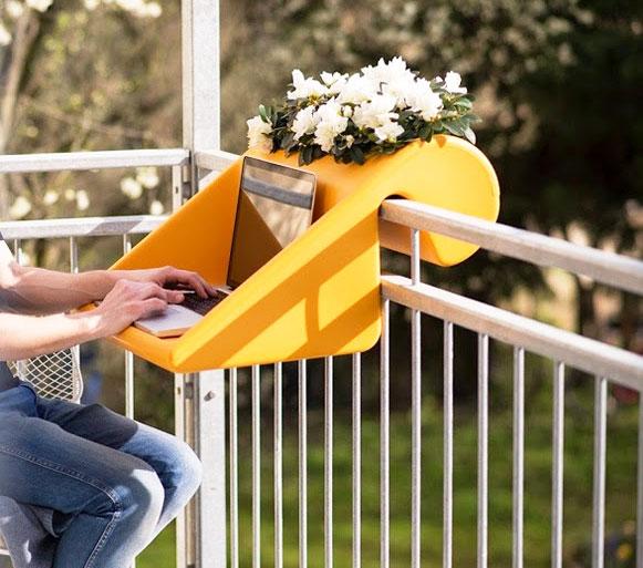 BalKonzept: A Balcony Desk and Flower Box.
