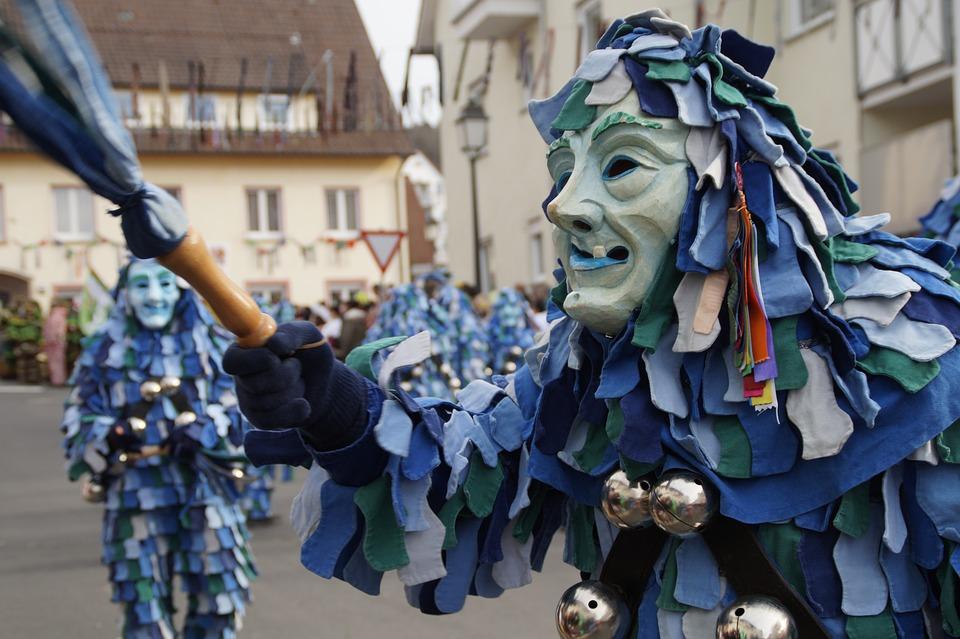 Free photo Fools Guild Ulm Fool Handset Gaugama Dressed Up.