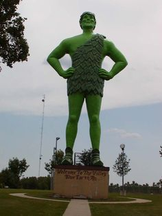 In blue earth minnesota there is a giant 55 foot statue of which.