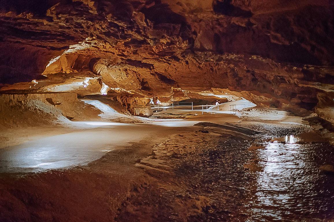 Tuckaleechee Caverns.