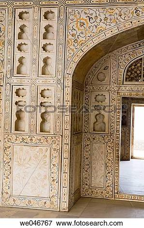 Picture of Decorated marble wall and door. Red Fort. Agra. Uttar.